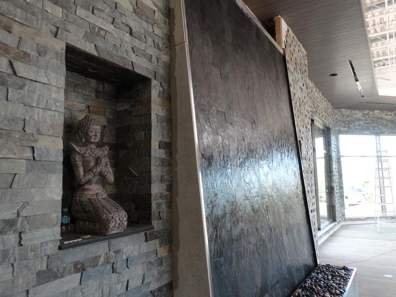 Mur d 39 eau int rieur et ext rieur grand format sur vitre for Mur d ardoise interieur