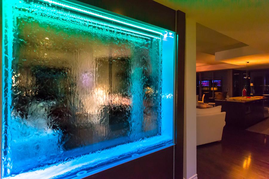 nouveau mod le de mur d 39 eau avec panneaux de verre sec. Black Bedroom Furniture Sets. Home Design Ideas