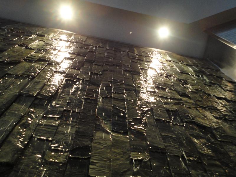 cr ation et installation de mur d 39 eau grand format sur ardoise qu bec. Black Bedroom Furniture Sets. Home Design Ideas