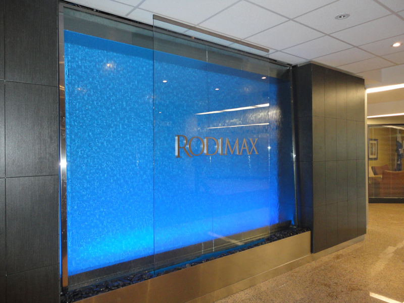126 mur d 39 eau grand format sur vitre lumi re bleue. Black Bedroom Furniture Sets. Home Design Ideas